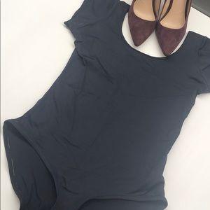 Short sleeved bodysuit